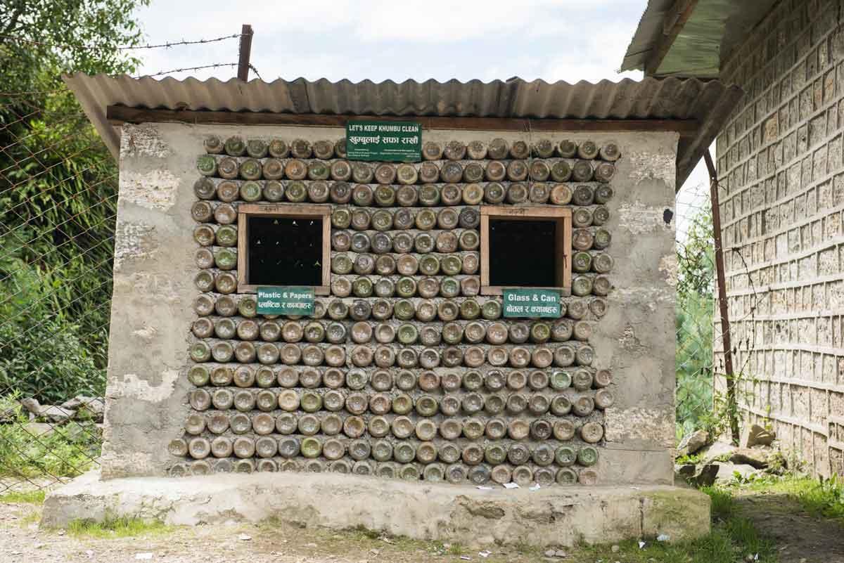目睹環境破壞,1991年夏成立非營利組織SPCC., 擔起捍衛 Khumbu區域這塊淨土的環保先鋒,攝影/Tony Lee 李安峰。