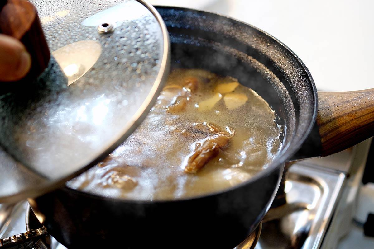 香味四溢的菜圃雞湯