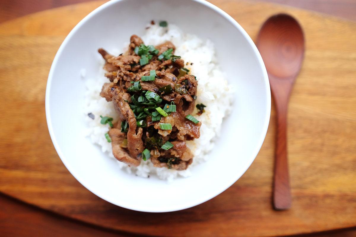 十三香豬肉蓋飯