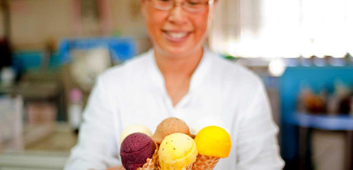 利用台灣多樣化農產品製作的色彩豐富手作冰淇淋